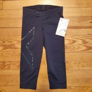 2xu Pants - New With Tags  2XU 3/4 Compression Tights Capris